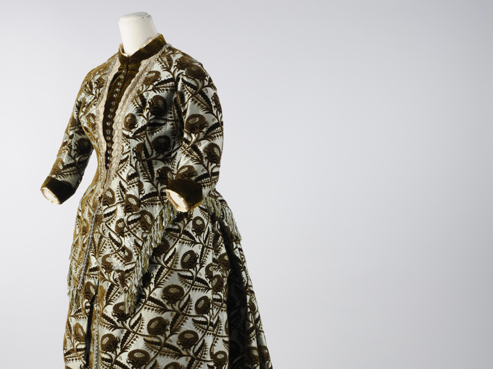 Front facing image of dress designed by Charles Frederick Worth for Mary Holden Illingworth © Leeds Museums and Galleries